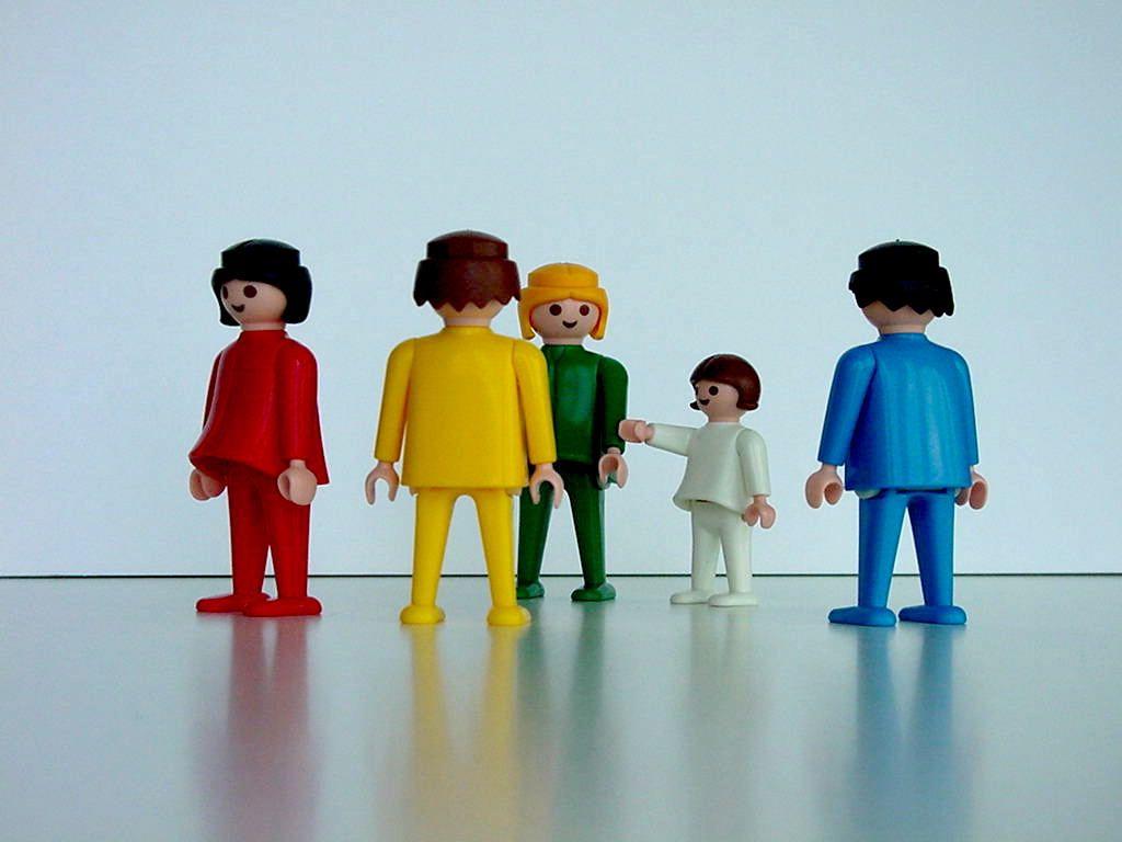 markenbeziehungen erforschen mit der Playmobil-Familienaufstellung