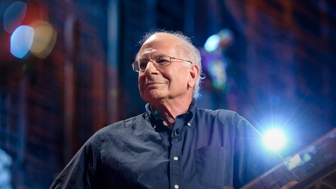 Daniel Kahneman speaks at a TED conference about the difference between remembering vs experiencing